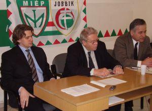 MIEP-Jobbik-sajtaj.jpg